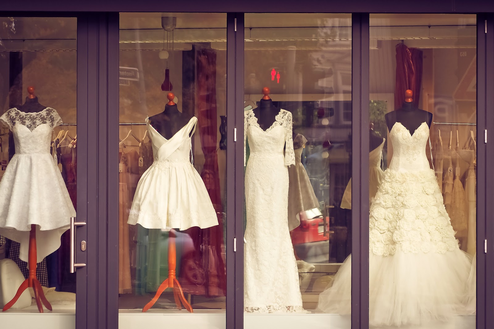 How To Find The Wedding Dress Of Your Dreams Mirage Banquet